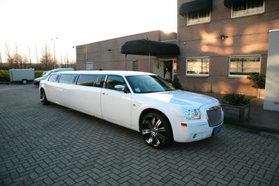Een ritje op stand via een limousine huren in Utrecht
